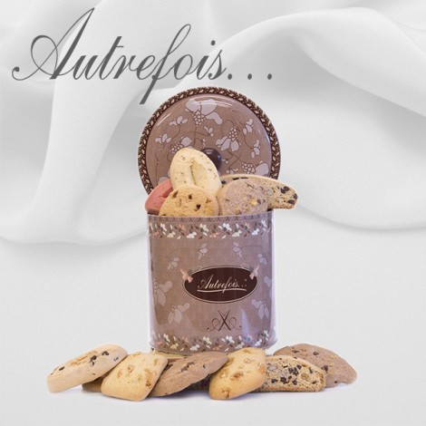 Seau décoré Assortiment de 18 biscuits 490 gr